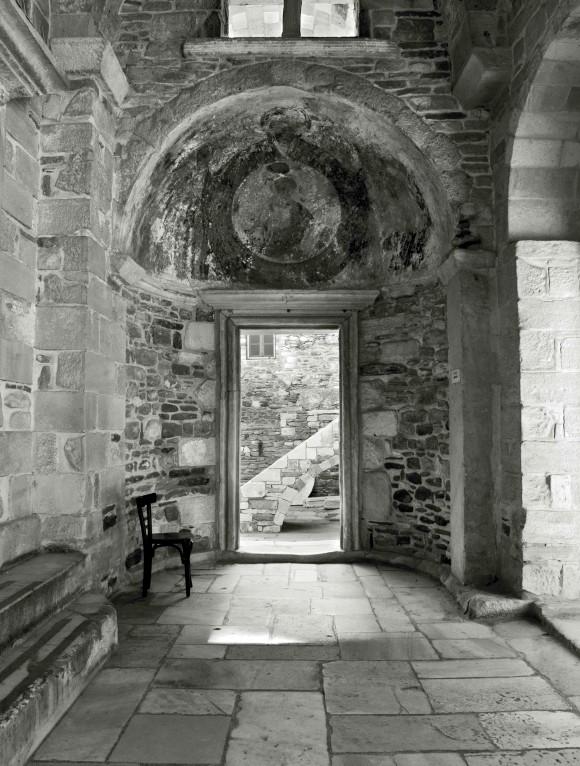 ekatontapyliani church porch side door